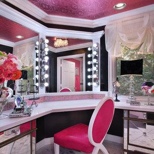 ロサンゼルスのコンテンポラリースタイルのおしゃれなトイレ・洗面所の写真