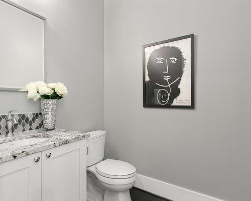 rustikale g stetoilette g ste wc mit grauen fliesen. Black Bedroom Furniture Sets. Home Design Ideas