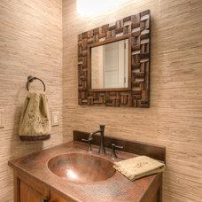 Traditional Powder Room by Solaris Inc.