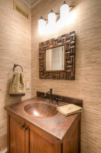 Traditional Powder Room by Solaris Inc.