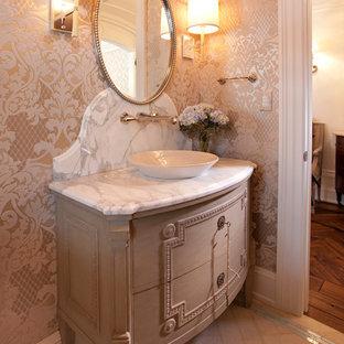 Idee per un bagno di servizio vittoriano con top in marmo e top bianco