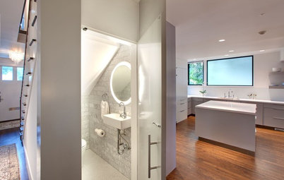 Light-Up Mirrors Offer Bright Design Solutions