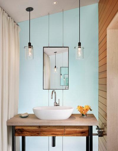 Contemporain Toilettes by Lake Flato Architects