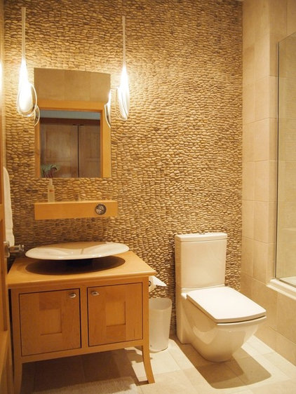 Modern Powder Room by Dale Kolbeck, Architect