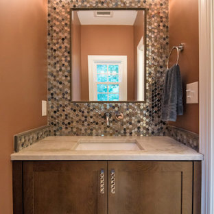 Новые идеи обустройства дома: маленький туалет в стиле современная классика с фасадами в стиле шейкер, темными деревянными фасадами, разноцветной плиткой, стеклянной плиткой, коричневыми стенами, полом из керамогранита, врезной раковиной, столешницей из кварцита, коричневым полом и белой столешницей