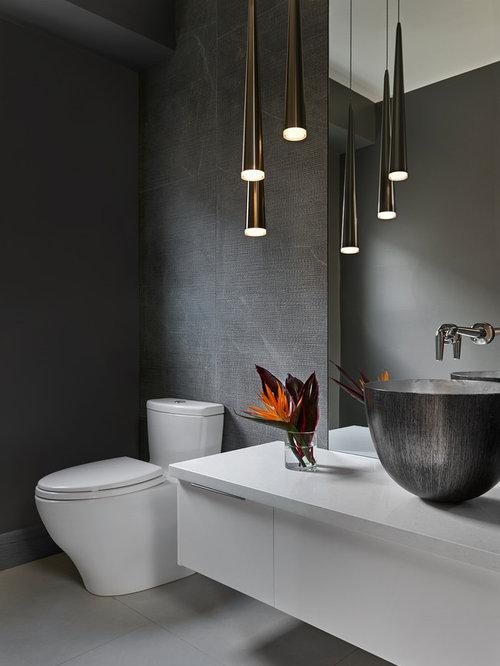 g stetoilette g ste wc mit porzellanfliesen und grauer wandfarbe ideen f r g stebad und. Black Bedroom Furniture Sets. Home Design Ideas
