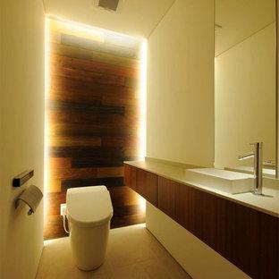 Cette photo montre un WC et toilettes moderne.