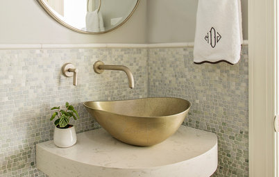 Trending Now: Standout Details From 10 Top Powder Rooms