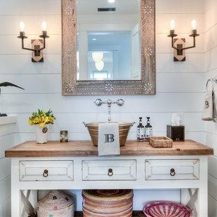 ides dco pour des petits wc et toilettes campagne avec des portes de placard en bois