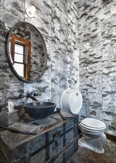 Montagne Toilettes by D.A.S. Custom Builders