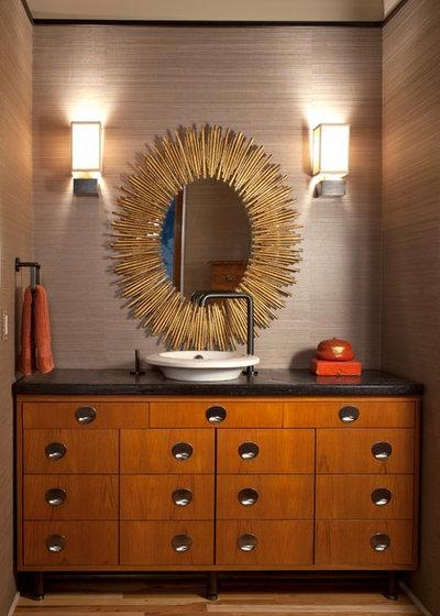 Contemporaneo Bagno di Servizio by Laurel Quint Interior Design