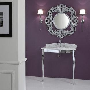 Idée de décoration pour un petit WC et toilettes tradition.