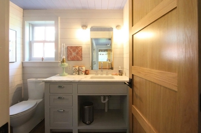 Farmhouse Powder Room by Albertsson Hansen Architecture, Ltd