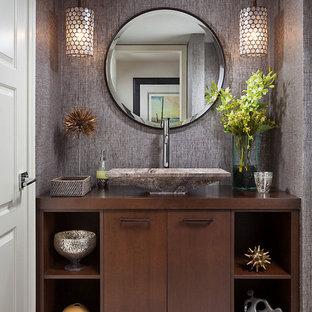 Idée de décoration pour un WC et toilettes vintage.