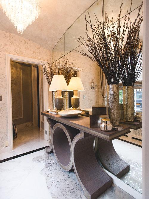 Bagno vittoriano con piastrelle a specchio foto idee for Piastrelle bianche marmo