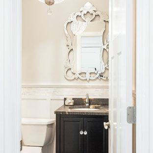 Свежая идея для дизайна: маленький туалет в стиле современная классика с фасадами в стиле шейкер, коричневыми фасадами, унитазом-моноблоком, серой плиткой, серыми стенами, темным паркетным полом, врезной раковиной, столешницей из известняка и коричневым полом - отличное фото интерьера