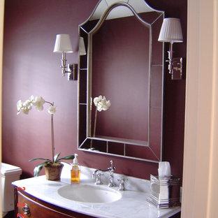 Idee per un bagno di servizio minimalista