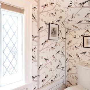 Ispirazione per un piccolo bagno di servizio eclettico con WC a due pezzi