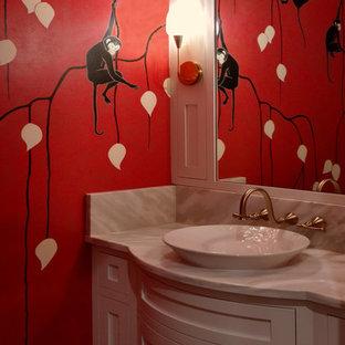 Mittelgroße Stilmix Gästetoilette mit roter Wandfarbe in Cleveland