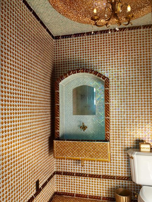 g stetoilette g ste wc mit mosaik bodenfliesen rustikal. Black Bedroom Furniture Sets. Home Design Ideas