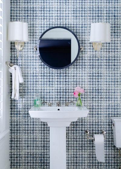 ビーチスタイル トイレ・洗面所 by threshold interiors