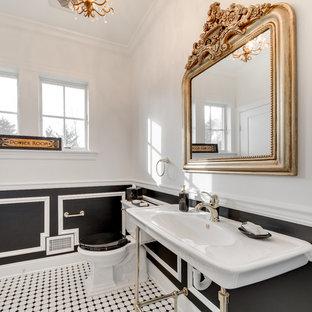 Réalisation d'un WC et toilettes tradition avec un WC séparé, un mur blanc, un sol en carrelage de terre cuite, un lavabo suspendu et un sol blanc.