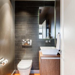 Идея дизайна: большой туалет в современном стиле