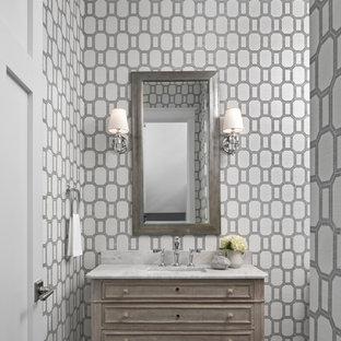 На фото: туалеты среднего размера в стиле современная классика с фасадами островного типа, искусственно-состаренными фасадами, разноцветными стенами и темным паркетным полом