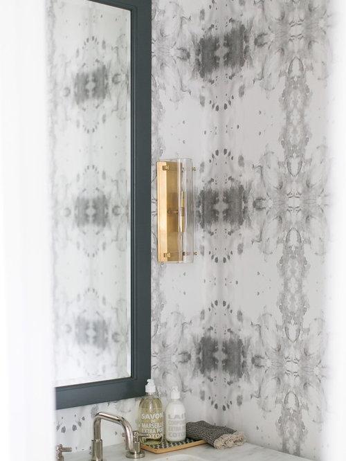 g stetoilette g ste wc mit hellen holzschr nken und grauer wandfarbe ideen f r g stebad und. Black Bedroom Furniture Sets. Home Design Ideas