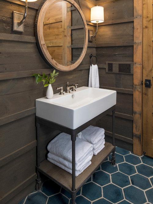 Foto e idee per bagni di servizio bagno di servizio in - Bagno piastrelle marroni ...