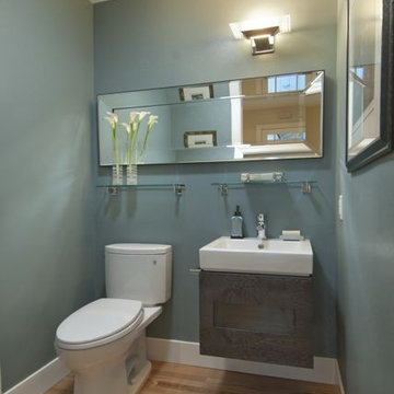 Powder room with a spacious feel