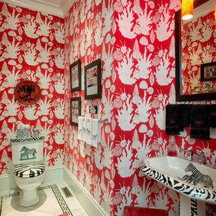 Idee per un bagno di servizio con pistrelle in bianco e nero