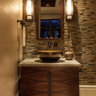 Неиссякаемый источник вдохновения для домашнего уюта: туалет в средиземноморском стиле с настольной раковиной