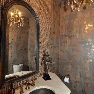 Неиссякаемый источник вдохновения для домашнего уюта: туалет в стиле современная классика с столешницей из травертина