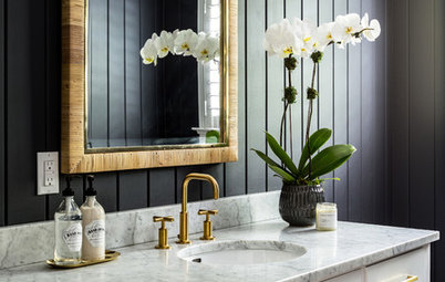 10 Tips to Style Your Powder Room for Holiday Guests