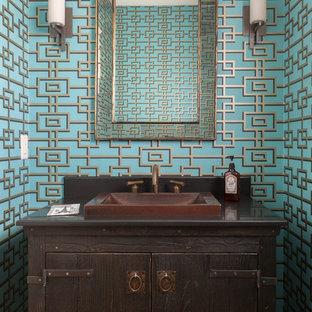 Inspiration för ett litet vintage toalett, med möbel-liknande, skåp i mörkt trä, flerfärgade väggar, ett nedsänkt handfat och bänkskiva i kvarts