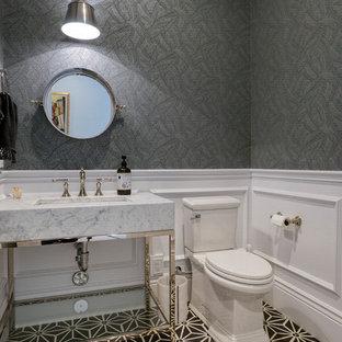 На фото: маленькие туалеты в стиле современная классика с раздельным унитазом, серыми стенами, консольной раковиной, разноцветным полом, серой столешницей, фасадами островного типа и мраморной столешницей