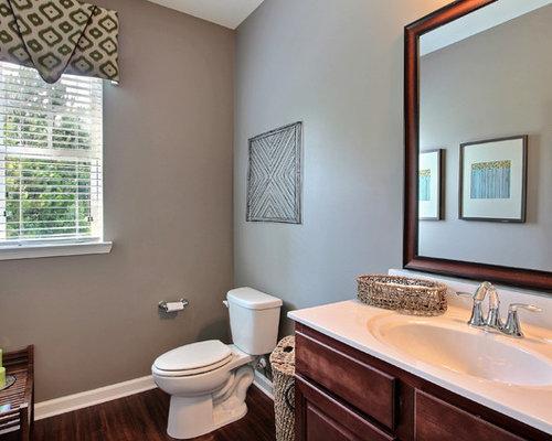 Foto e idee per bagni di servizio bagno di servizio con - Pavimento laminato in bagno ...