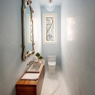 Foto de aseo tradicional con lavabo encastrado
