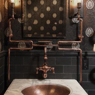Пример оригинального дизайна: туалет в стиле фьюжн с врезной раковиной