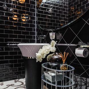 Esempio di un bagno di servizio minimal con pistrelle in bianco e nero, piastrelle nere, piastrelle diamantate, pavimento con piastrelle a mosaico e lavabo a colonna