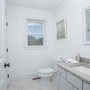 Idee per un bagno di servizio minimalista di medie dimensioni con ante grigie, bidè, pareti grigie, pavimento con piastrelle in ceramica, lavabo sottopiano, top in granito, pavimento bianco e top bianco