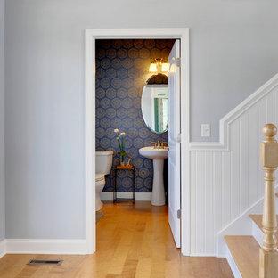 Klassische Gästetoilette mit Sockelwaschbecken in Philadelphia
