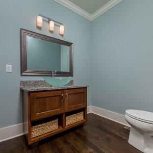 Idée de décoration pour un WC et toilettes craftsman.