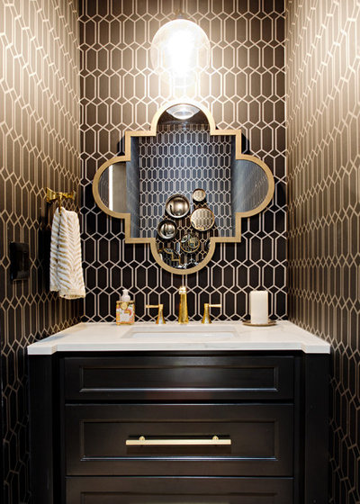 トランジショナル トイレ・洗面所 by Sarah St. Amand Interior Design, Inc.