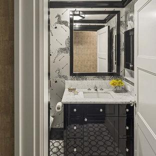 Пример оригинального дизайна: маленький туалет в стиле современная классика с врезной раковиной, фасадами с утопленной филенкой, черными фасадами, мраморной столешницей, инсталляцией, черно-белой плиткой, серыми стенами и мраморным полом