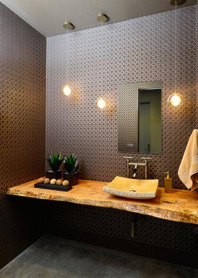 Contemporary Toalett by Neal Huston & Associates