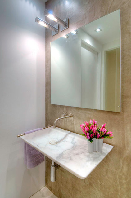 Modern Powder Room by West Chin Architects & Interior Designers
