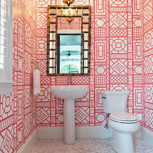 На фото: туалет в стиле фьюжн