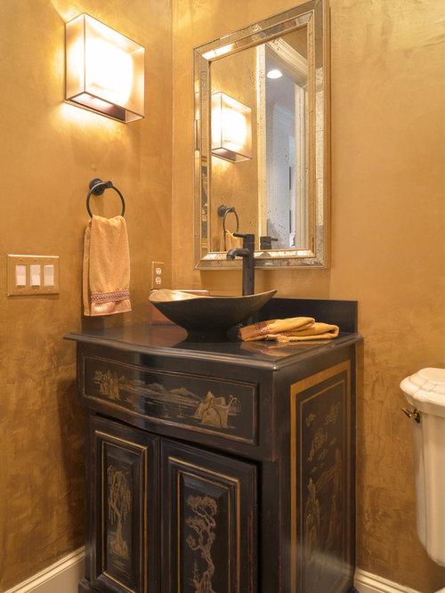 g stetoilette g ste wc mit schwarzen schr nken und gelben w nden ideen f r g stebad und. Black Bedroom Furniture Sets. Home Design Ideas